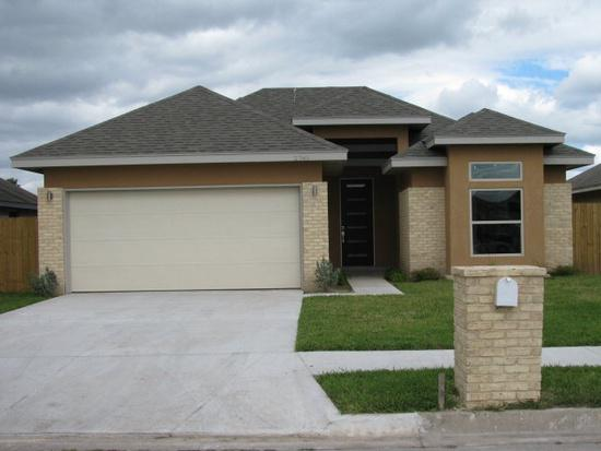 900  3br  This is a must see home