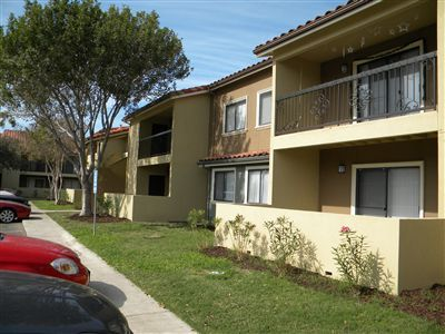 $799 2br - 2 br2 ba (cable included) pay less than you would with a year lease (behind the mustang water tower )