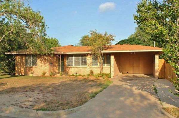 - $74900 2br - 1245ftsup2 - Great Starter Home or Investment Property (1201 High St, Harlingen, TX)