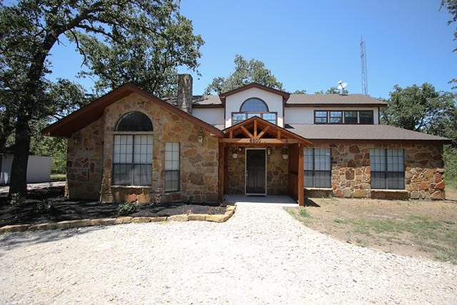 367 000  This is Texas country living at its best