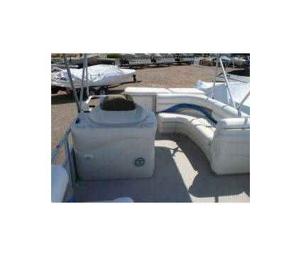 23 ft. Sunset Bay Fishing Pontoon Boat  - $8500 (Raymondville)