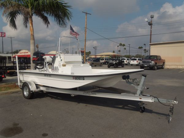 2011 SHALLOW SPORT 18FT - $20995 (ELLIFF MOTORS HARLINGEN )