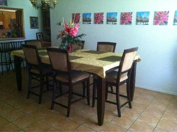 Huge Dining Table 6-8 Chairs For Sale - $800 (San Benito)
