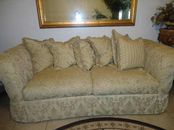 3 Pc. Living Room Set - x00241600 (Brownsville, Tx.)