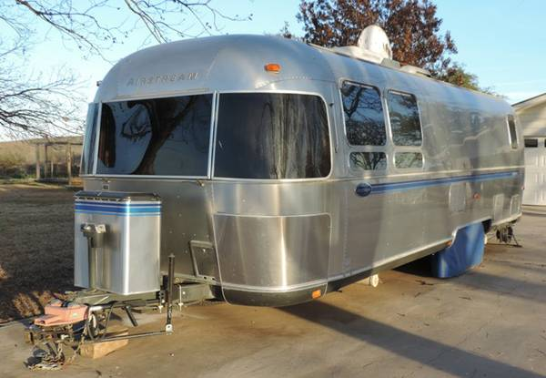 2000 Airstream Excella 28ft - x002428500 (Uvalde, TX)