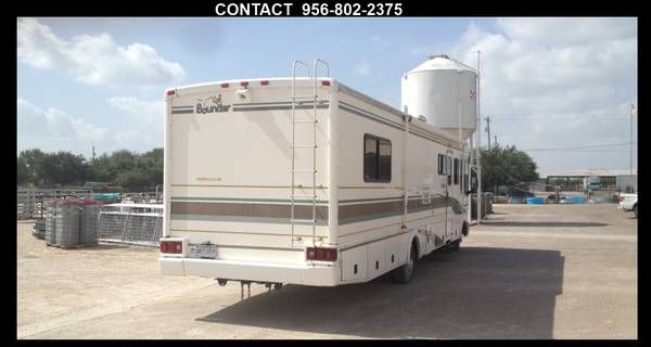 2001 FLEETWOOD BOUNDER RV   36FT  - $25000 (Edinburg )