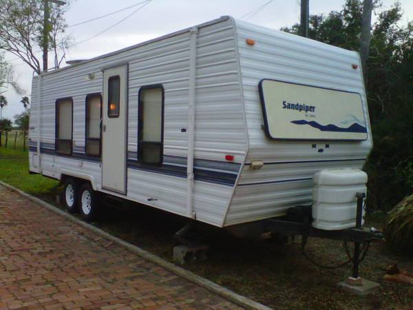 1995 Sandpiper Travel Trailer - $4500 (San Benito)