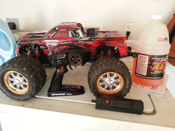 rc t maxx 3.3 nice ... runs great and strong (Brownsville)