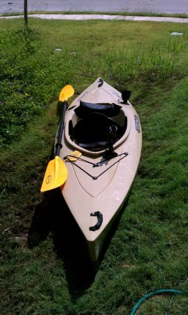 Heritage Featherlite Angler 9.5 kayak  - $250 (port isabel)