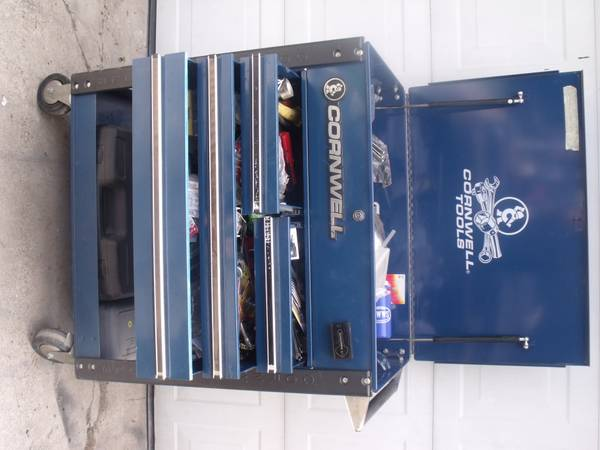 CORNWELL TOOLS Service Cart Tool Box with key on Wheels - $400 (san benito)
