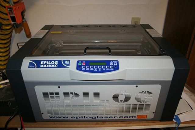 2 400  Epilog Laser - Mini 18 - 25 Watt C02 Laser - Low  Low Hours