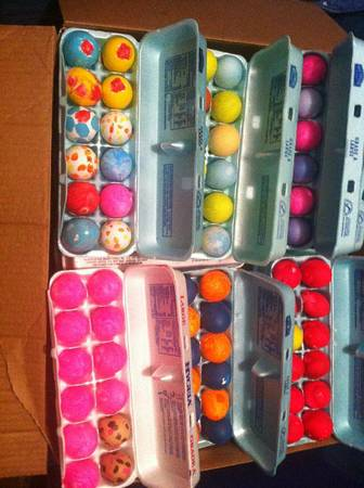 easter eggs w confetti - $1 (harlingen)