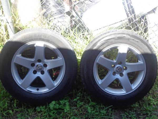 17 dodge charger rims and tires - $270 (Pharr)