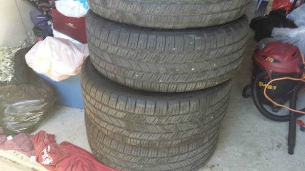 set of 4 Goodyear tires 2755520 - x0024300 (brownsville)