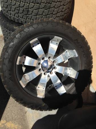 22 GMC Chevrolet 8-Lug Wheels Tires