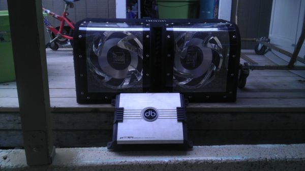 12 Subwoofers With 600W Amp For Sale - $200 (San Benito)