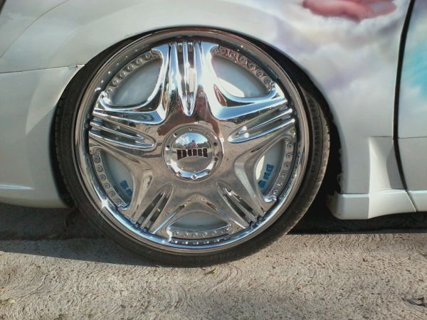 22 INCH RIMS DUB FLOATERS 5 LUG UNIVERSAL - $2000 (BROWNSVILLE)