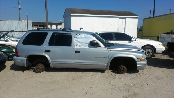 00 Dodge Durango 99 Chevy Tahoe for parts, GET THEM QUICK ( Harlingen U-Pull)