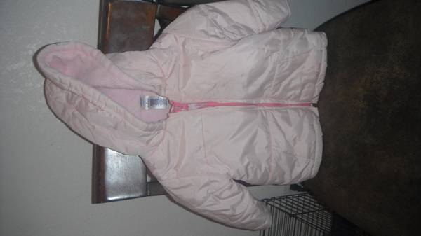 jacket old navy 12 to 18months girl L - $5 (brownsville tx)