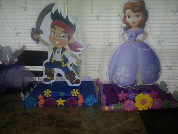 jake And the Neverland Pirates Sofia The 1st Pinatas Centerpieces (Brownsville,Tx)