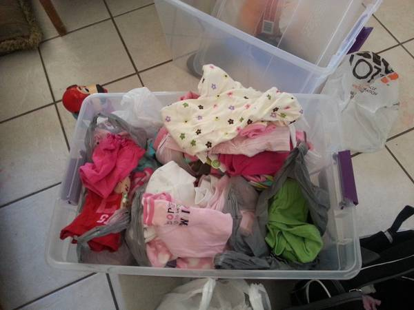 LOTS of baby GIRL CLOTHES - $10 (rio hondo, tx)
