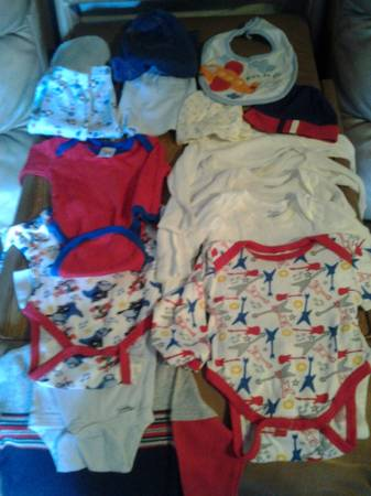 50cents  piece baby boy clothes sz 0-3mo   brownsville