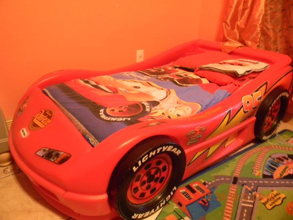 Tikes Lightning Mcqueen Toddler Bed
