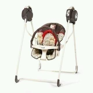 Baby bear swing . SUPET CUTE unisex - $50 (Brownsville)