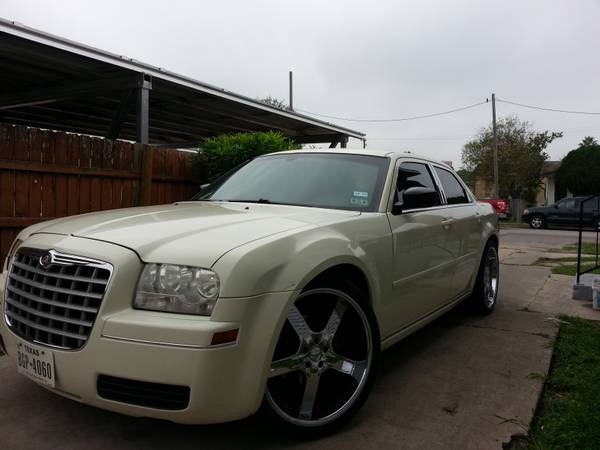 TEKE OVER PAYMENTS - CHRYSLER 300 - $2500 (brownsville tx)