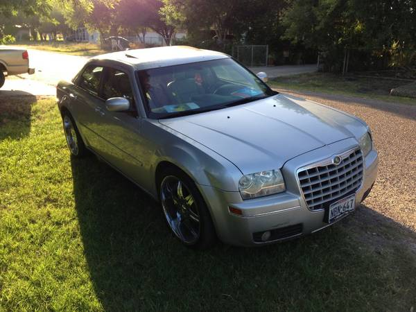2005 chrysler 300 touring - $7200 (Harlingen Tx)