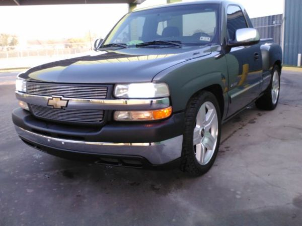 2002 CHEVY SILVERADO - $7500 (BROWNSVILLE)