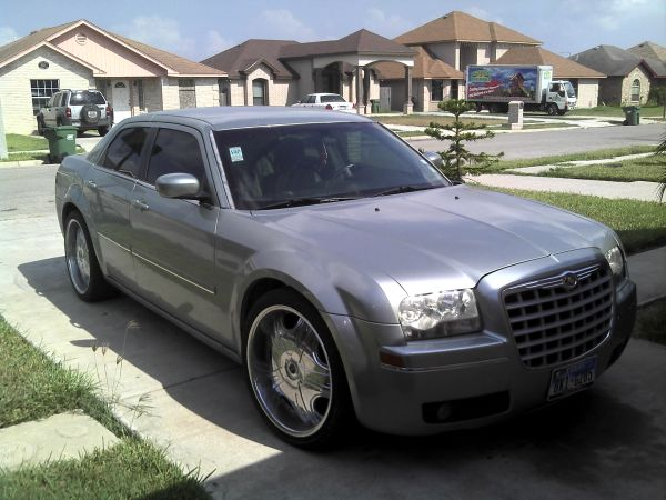 Chrysler 300 2005 - $8500 (Olmito)