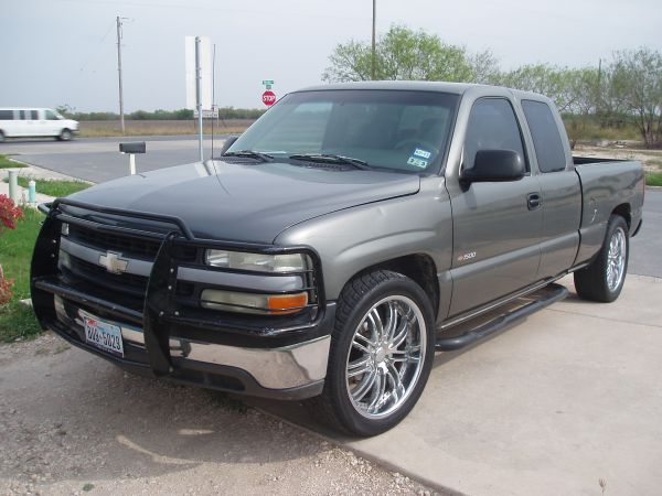 CHEVY SILVERADO 2001 CABINA Y MEDIA V6 - $6000 (BROWNSVILLE TEXAS)