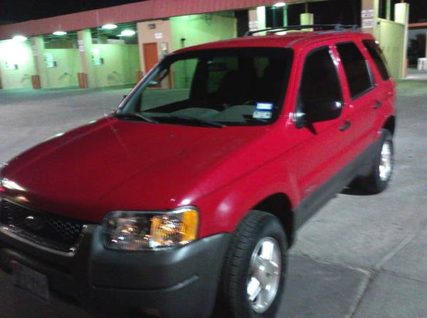 FOR SALE 2001 FORD ESCAPE XLT V6 - $3500 (BROWNSVILLE)