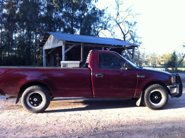 Maroon Ford F150 Single Cab Long Bed - $2800 (Los Fresnos)