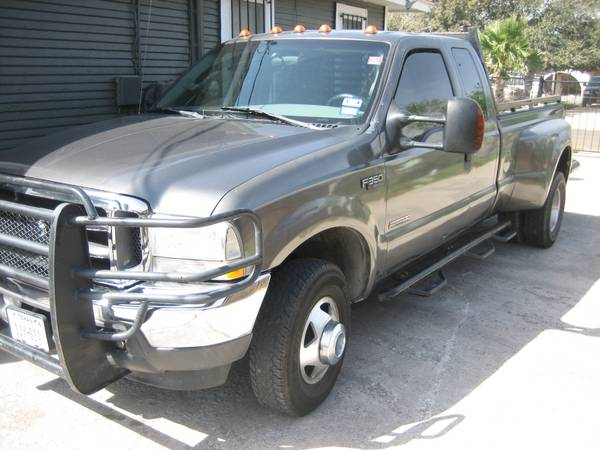F350 4x4 diesel dually---new tires - $12700 (Edinburg)