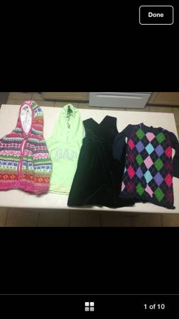 Baby Gap girls sz 4t 2 cozy sweaters and 2 gorgeous dresses - $20 (Brownsville )