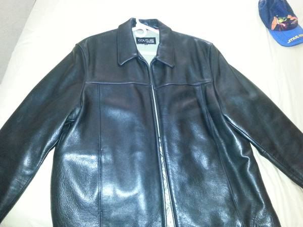 COMO NUEVA Couture by J. Park black leather jacket - $70 (brownsville)