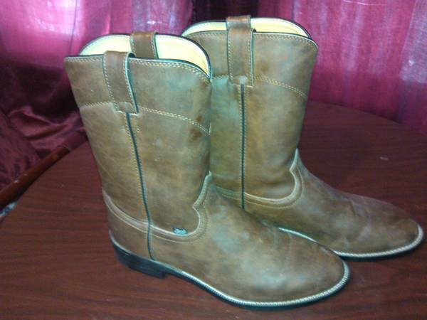 used justin boots, dockers shoes, and croft and barrow - $5 (harlingen, tx)