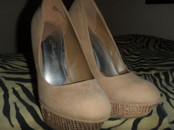 agaci shoes - $35 (Brownsville)