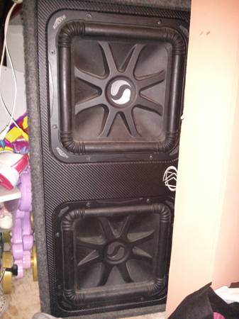 2 L5,12 in kickers with kicker box - $350 (brownsville tx)