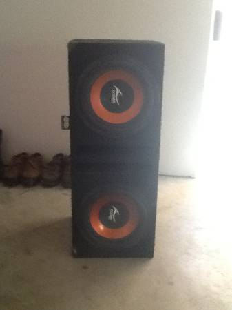 12 subs in box, 2 pioneer s, 1 10 jl audio w3 sub. - $360 (Brownsville)