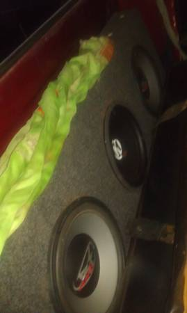 3 12 inch subwoofers with box for single cab truck