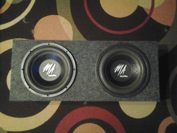 MA Audio pair 12 inch, dual voice coil, 600w subs and enclosure - $100 (brownsville)
