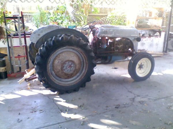 sold 1950 FORD 8N TRACTOR - $950 (MCALLEN)