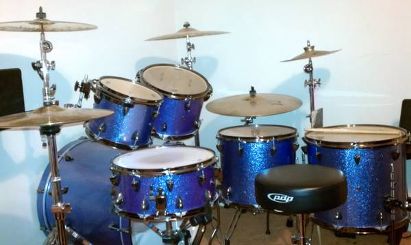 Orange county avalon with a custom cymbals - $1300 (Brownsville)