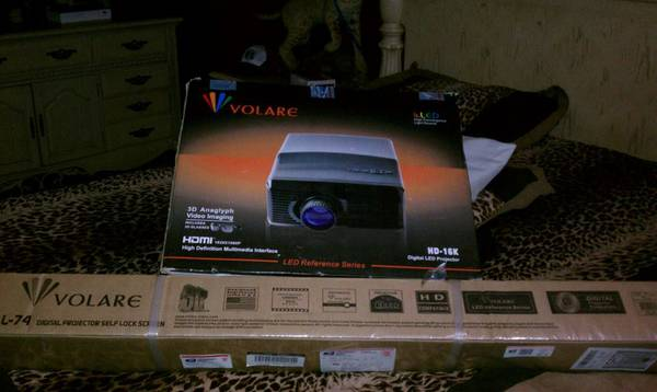 Volare projector 3D - $350