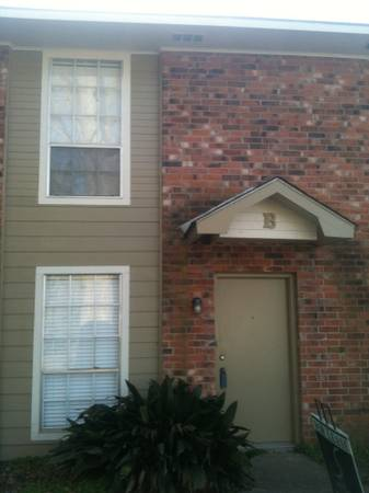 -  460 Roommate Wanted in a 2 Bed 1 5 Bath Townhouse Near LSU   5431 Nicholson Dr  Baton Rouge  LA