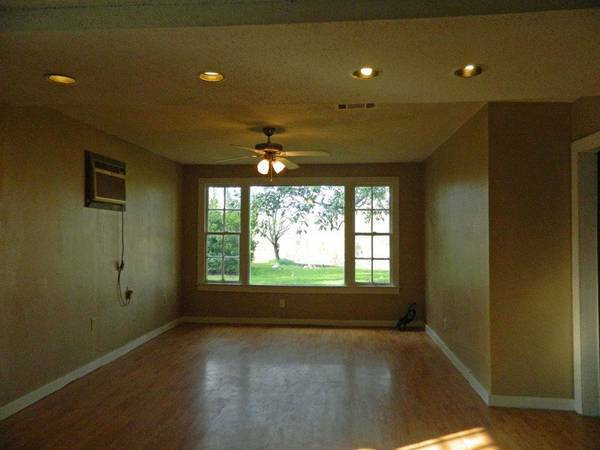 -  450 Seeking roommate in Natchitoches  Louisiana  Natchitoches