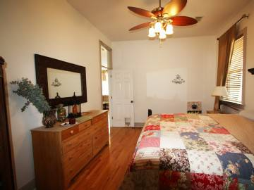 -  250   2br - 1100ft sup2  - Sunny Exposure    Furnished Apartment      New Orleans